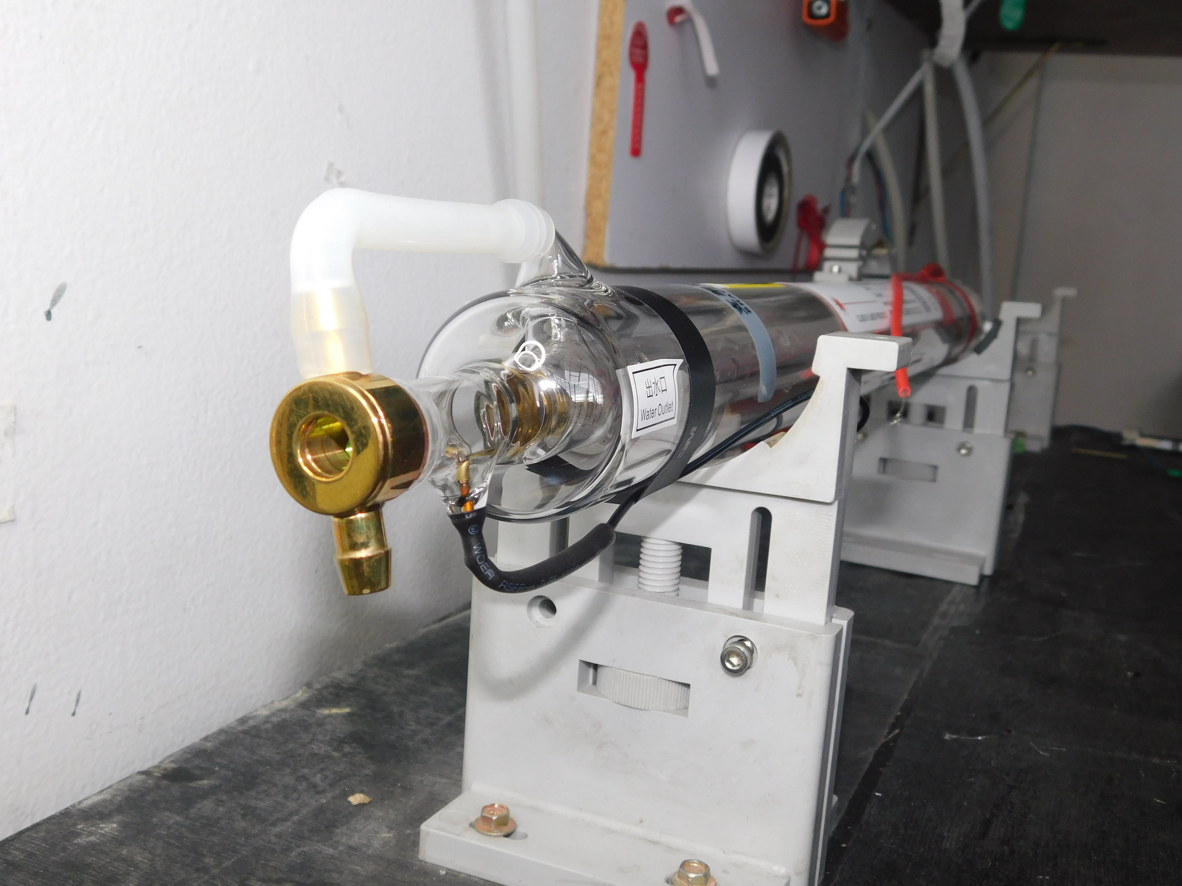 Instalación tubos láser